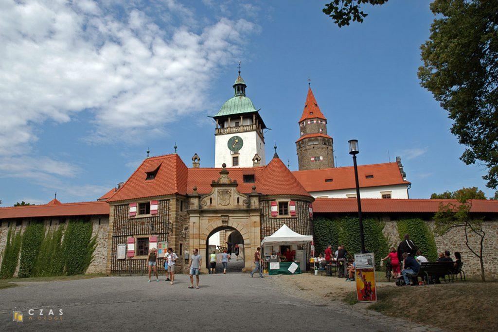 Brama główna zamku Bouzov