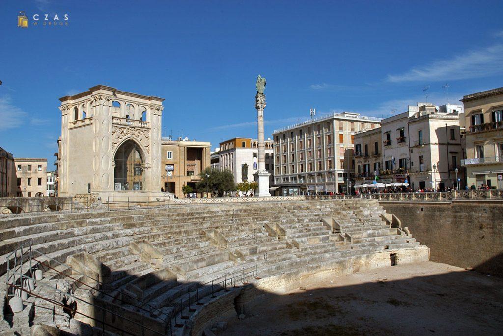 Pozostałości rzymskiego amfiteatru na Piazza Sant'Oronzo
