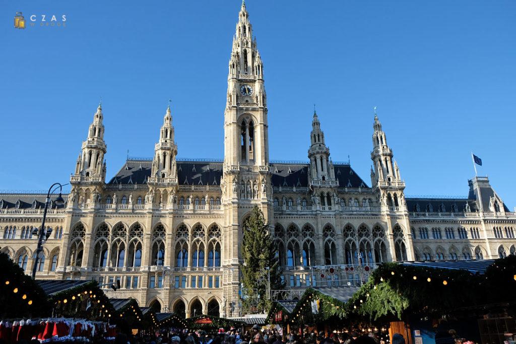 Jarmark bożonarodzeniowy przy wiedeńskim ratuszu
