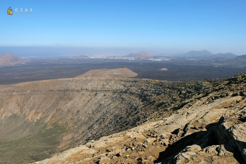 Wulkaniczny krajobraz widziany ze szczyty Caldera Blanca