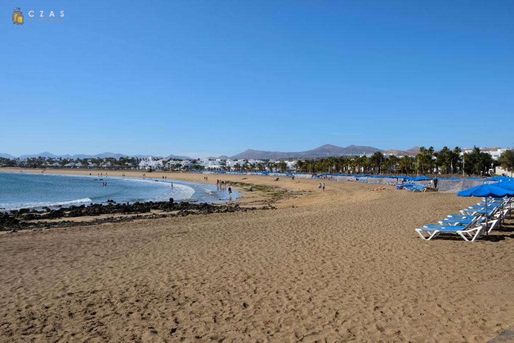 Szerokie, piaszczyste plaże w Puerto del Carmen