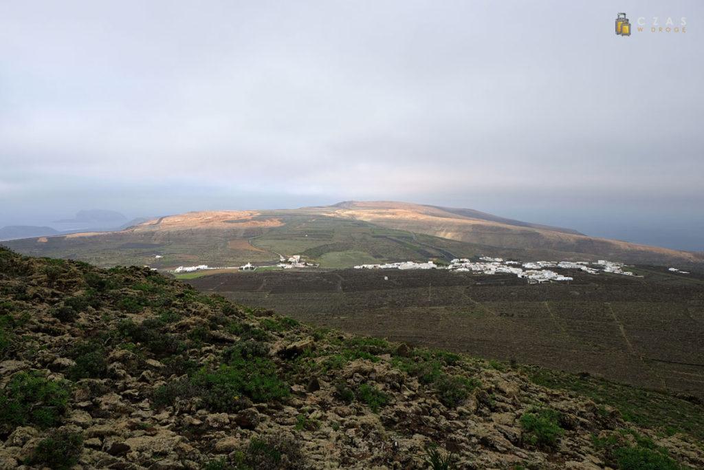 Widok z Monte Corona w stronę Ye