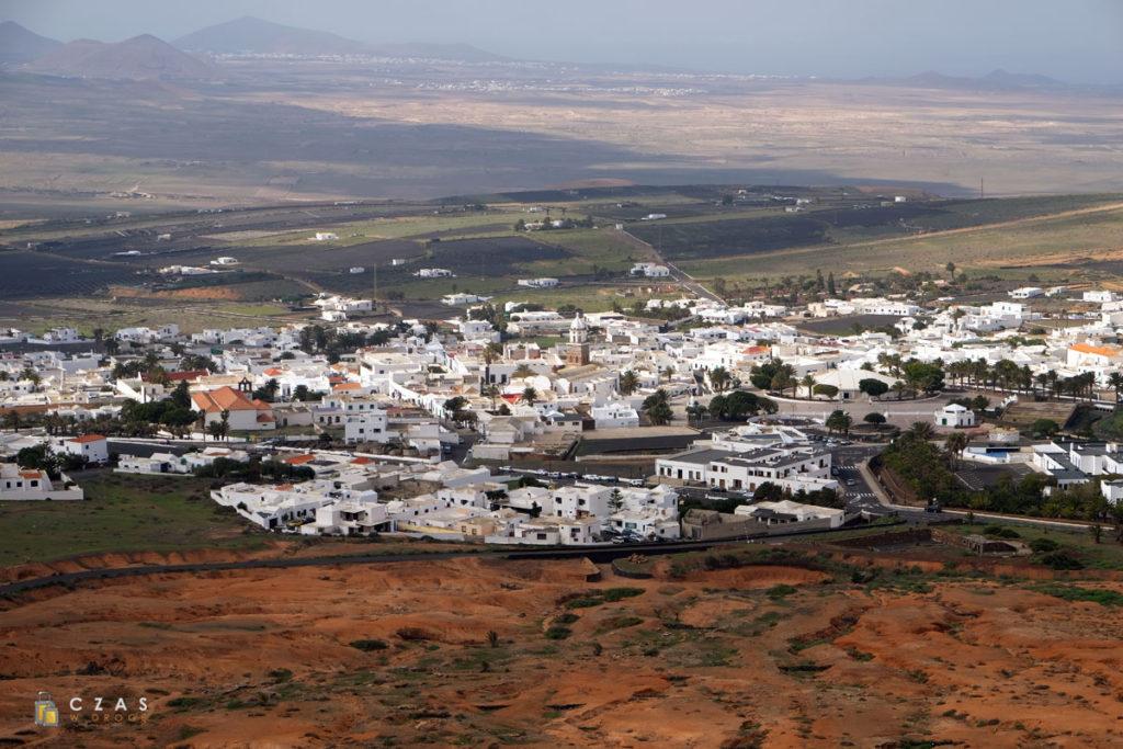 Widok z zamku na Teguise