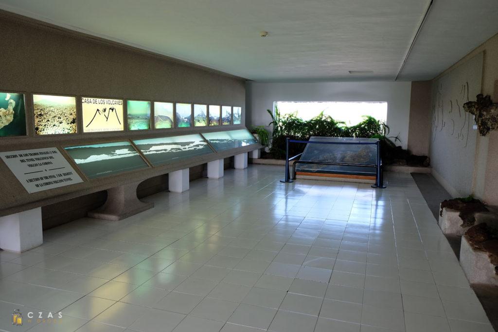 Jameos del Agua - fragment wystawy w Casa de los Volcanes