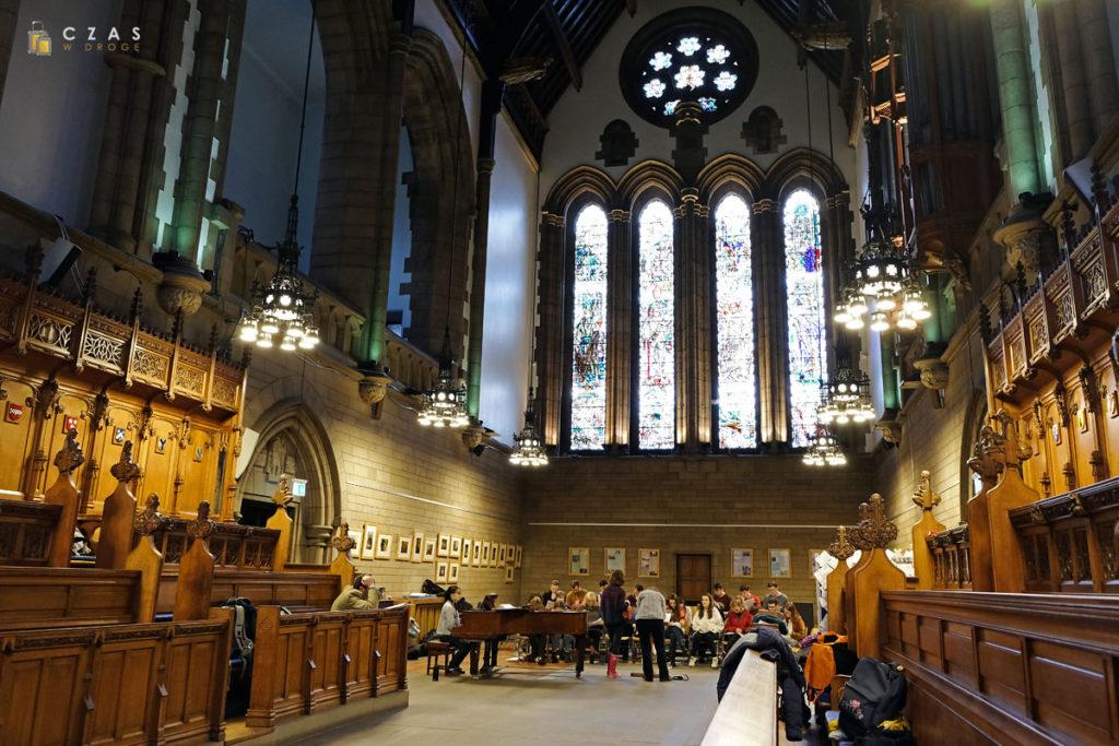 Wnętrze uniwersyteckiej kaplicy