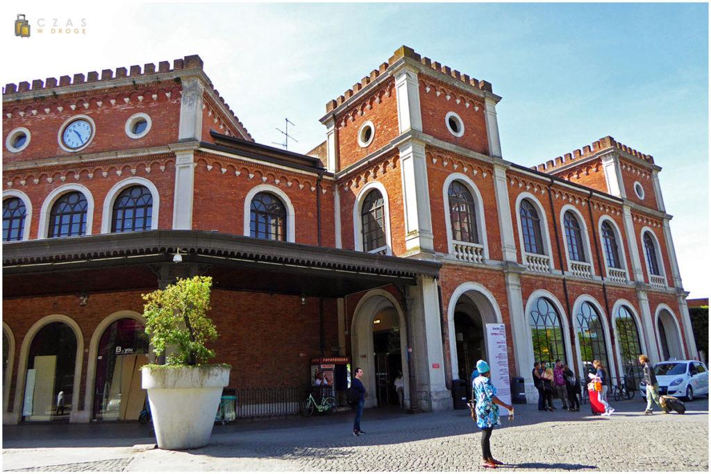 Dworzec kolejowy w Brescii