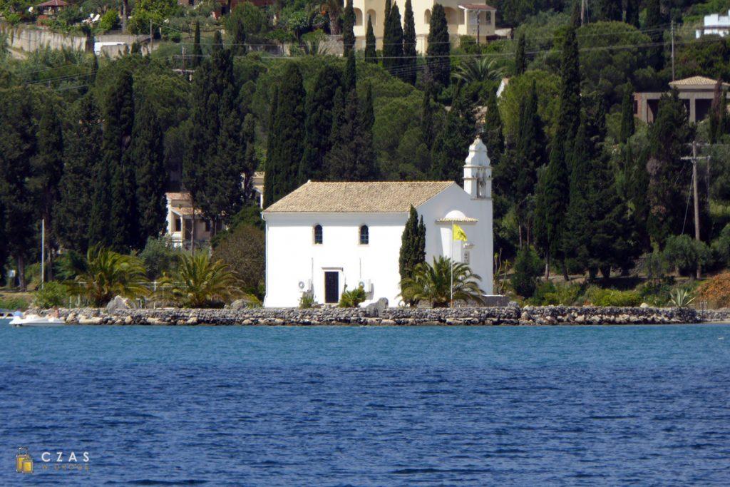 Kościół na wodzie / Dafnila