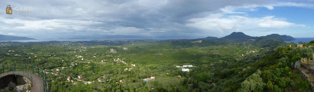 "Panorama Korfu z ""Tronu Cesarza"""