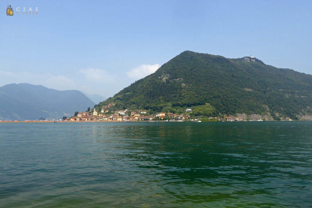 Widok na Monte Isola od strony Sulzano
