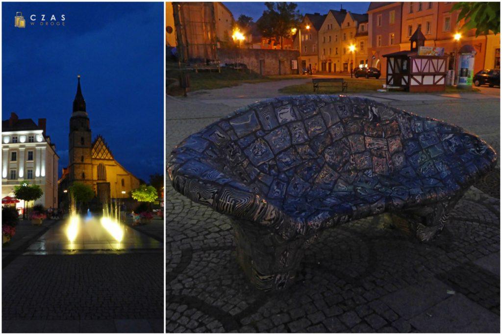 Wieczorny widok na Bazylikę / Ceramiczna ławeczka