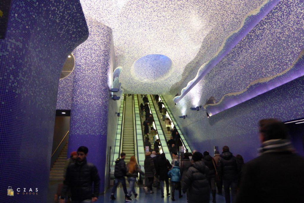 Jedna z ciekawszych stacji metra - Via Toledo