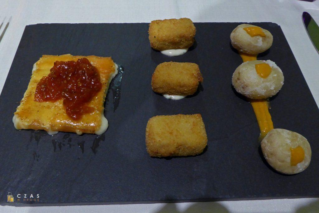 Zestaw kanaryjskich przystawek - lokalny ser, krokieciki rybne i oczywiście papas arrugadas :)