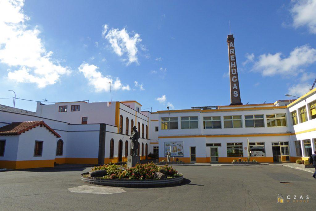 Główny plac na terenie fabryki