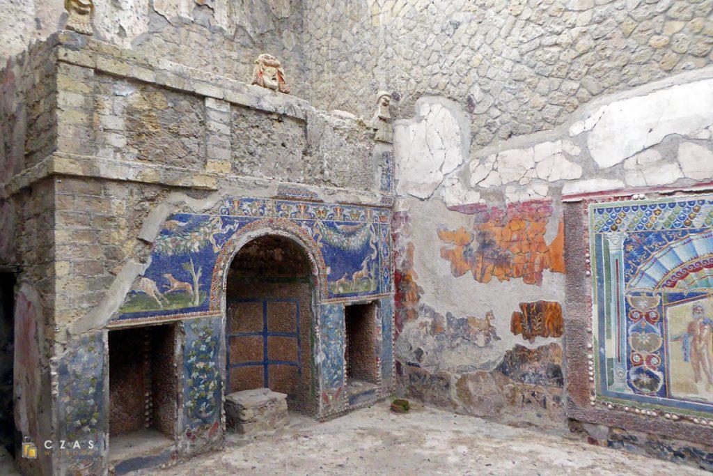 Mozaiki na dziedzińcu Domu Neptuna i Amfitryty
