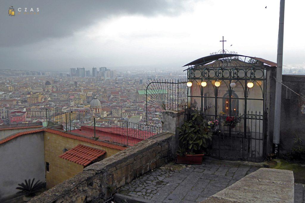 Kapliczka przy Pedamentina di San Martino