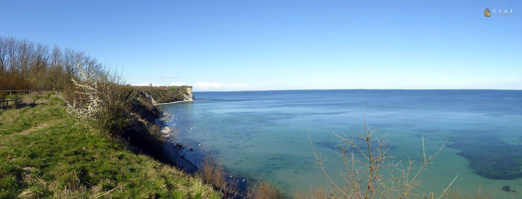 Panorama wybrzeża z punktu widokowego nieopodal Vitt