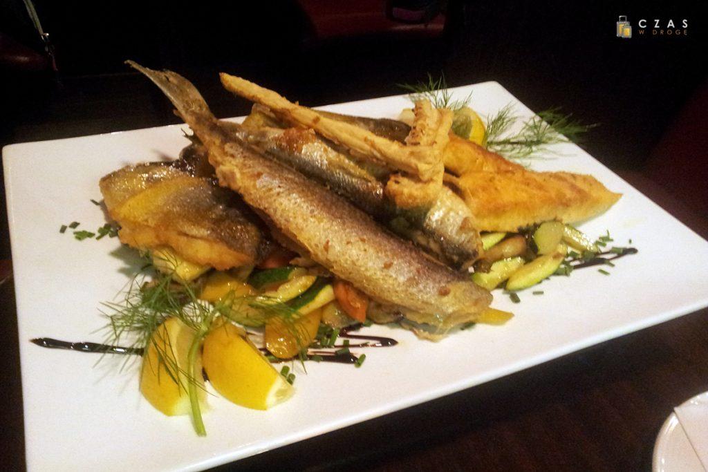 Talerz rybny w restauracji Zur Kajute
