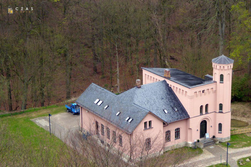 """""""Dom leśnika"""" stojący przy zamku Granitz."""