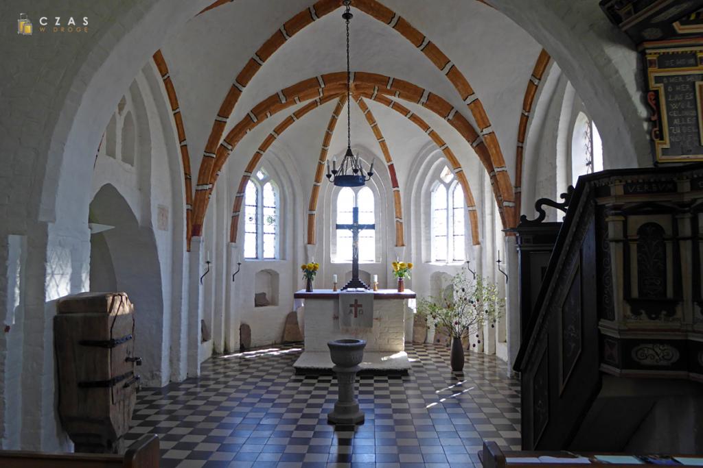 Wnętrze kościoła w Groß Zicker