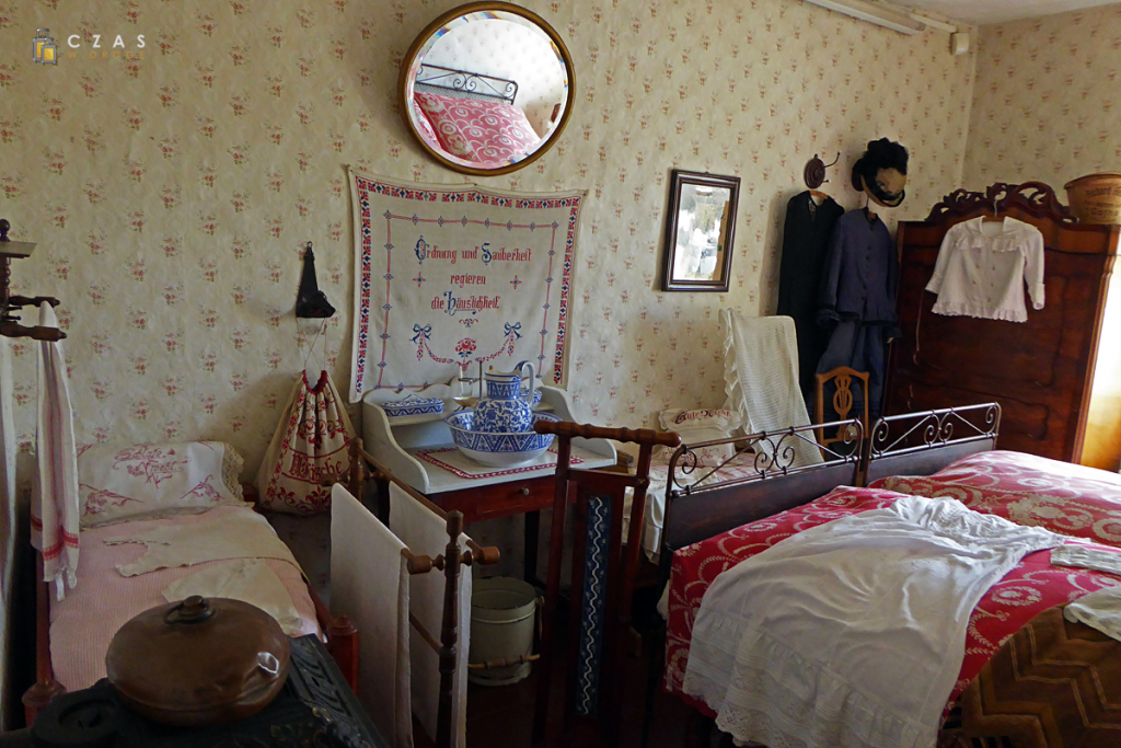 Sypialnia w budynku szkolnym w Middelhagen