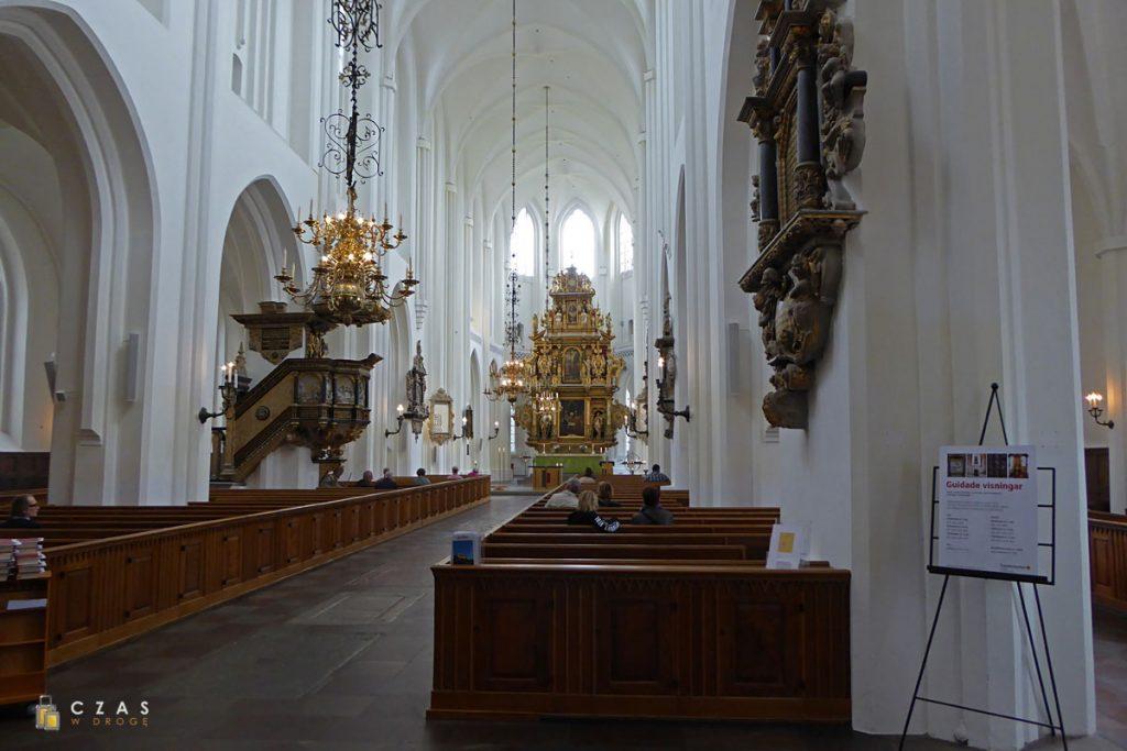 Wnętrze kościoła św. Piotra