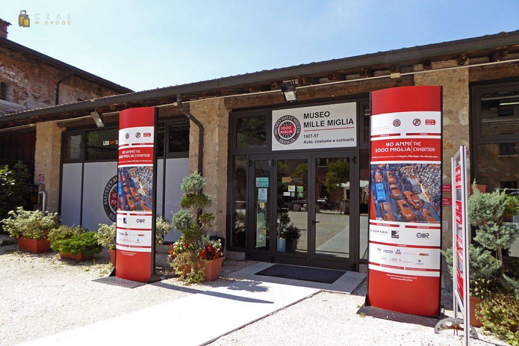 Wejście do Museo Mille Miglia