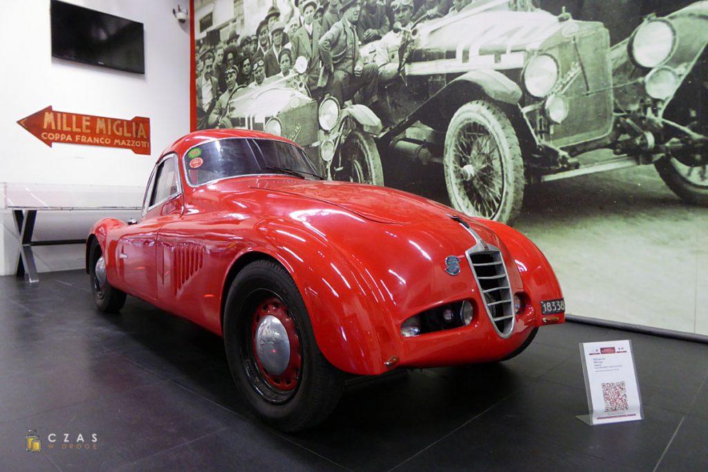 Ciężko wybrać, który z pojazdów na wystawie jest najciekawszy :)