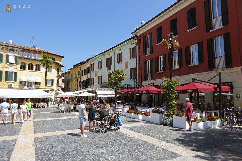 Sirmione / Piazza Giosue Carducci