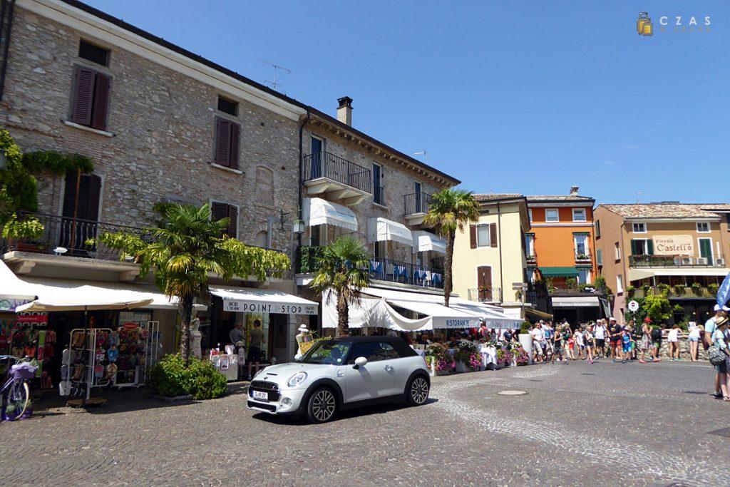 Sirmione / Piazza Castello