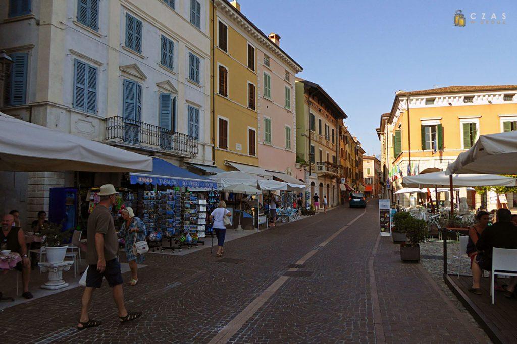 Gargnano / Piazza Feltrinelli