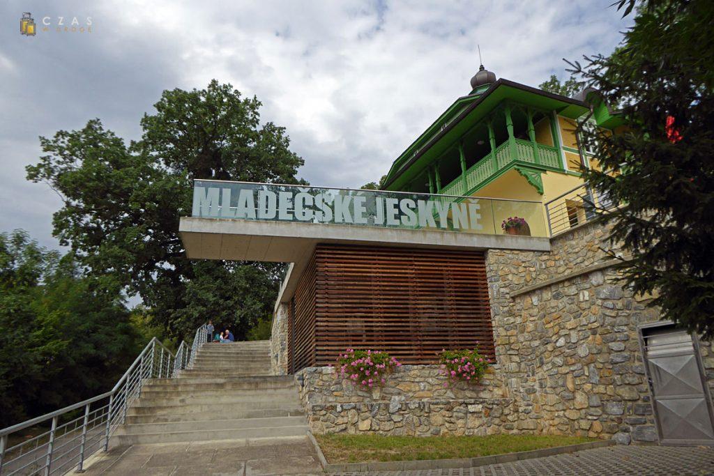 Jaskinie Mladečke - budynek główny