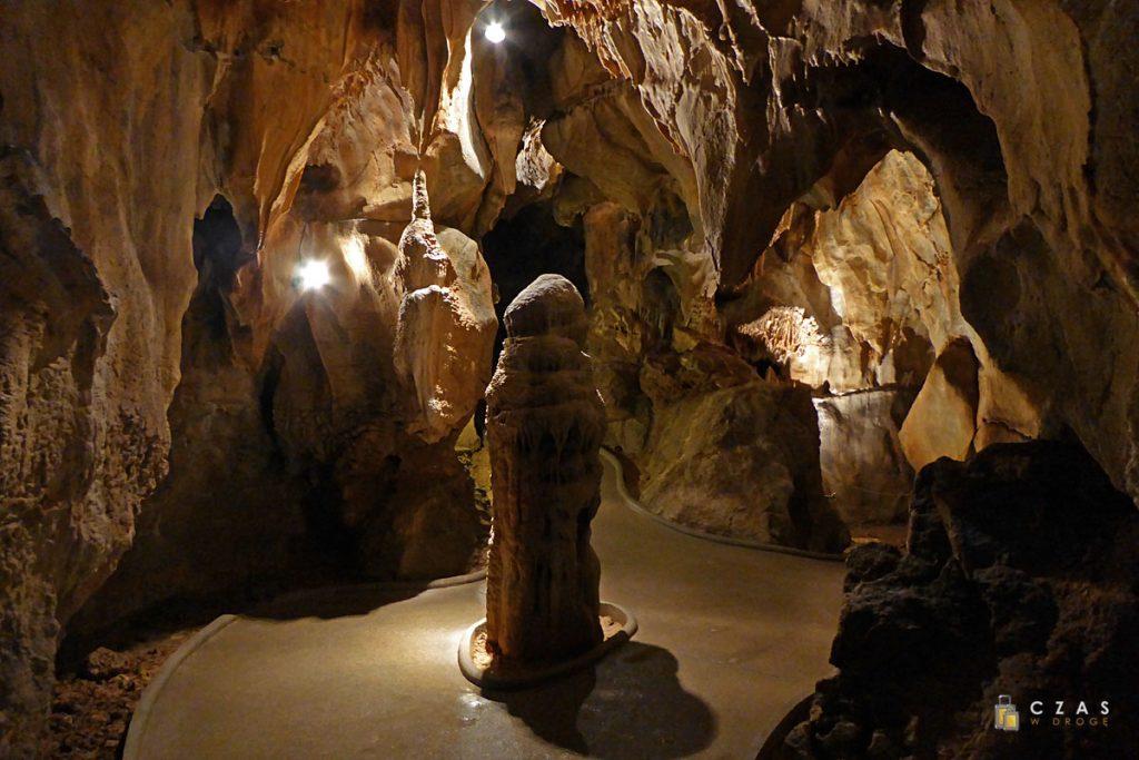"""Jaskinie Mladečke - stalagmit """"Mumia"""" :)"""