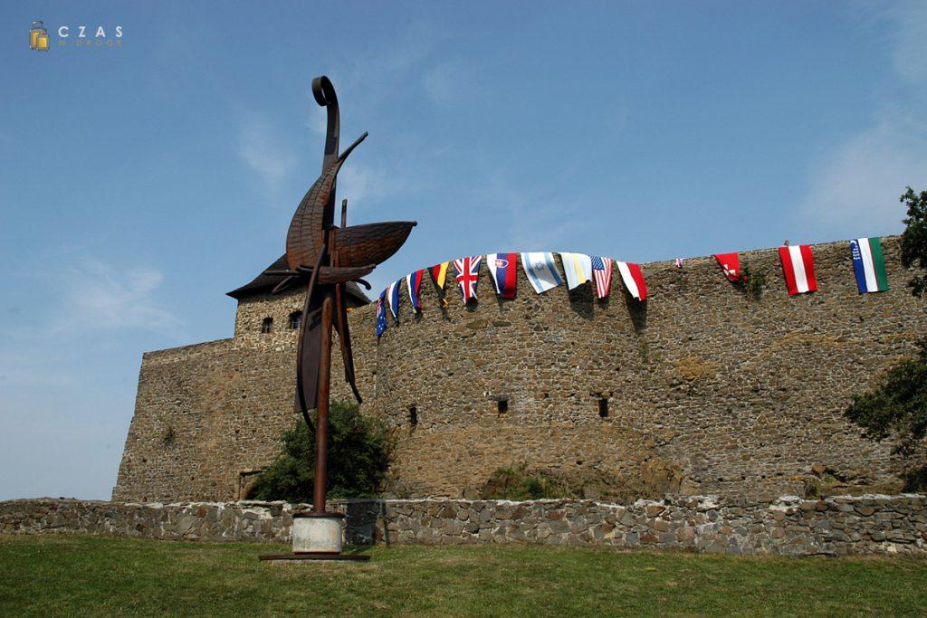 Zewnętrzne mury zamku Helfštýn