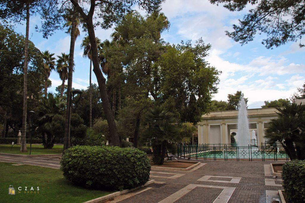 Lecce - fragment parku miejskiego