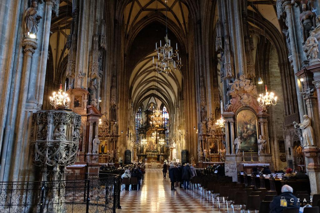 Wnętrze katedry św. Stefana