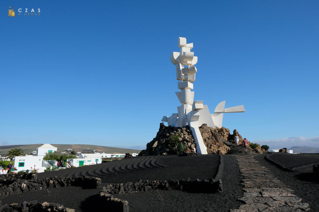 Monumento al Campesino - jedno ze słynnych dzieł Cesara Manrique