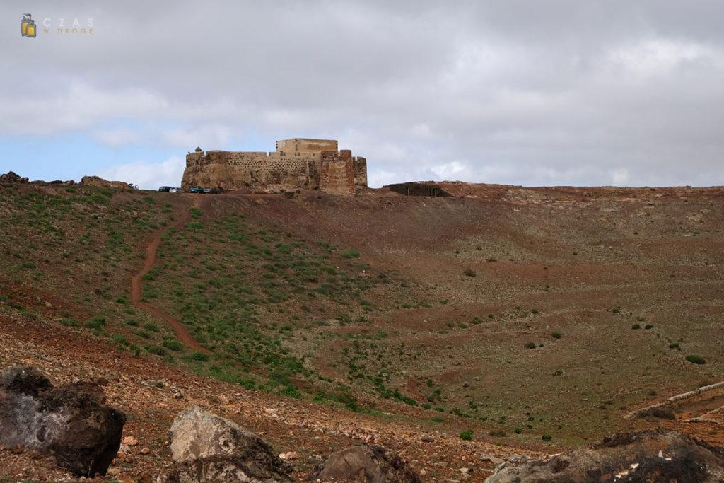 Castillo Santa Barbara widziana od strony krateru