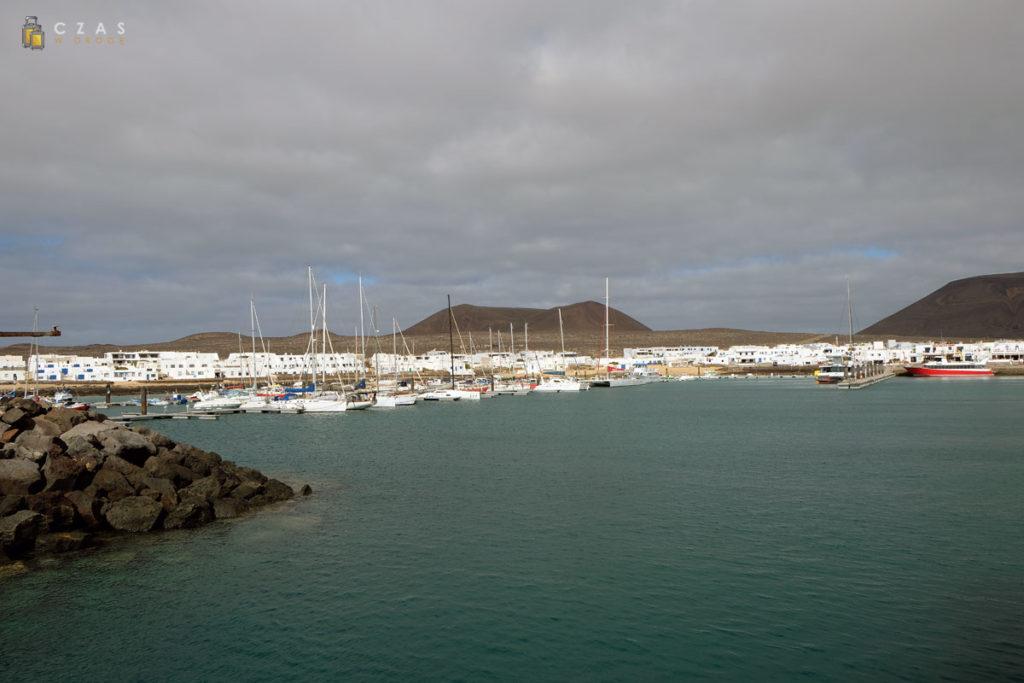 Wpływamy do portu w Caleta del Sebo