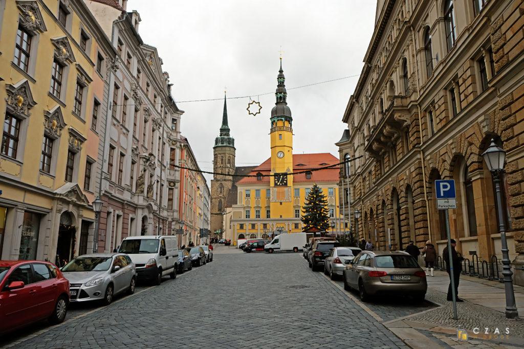 Innere Lauenstraße z widokiem na ratusz