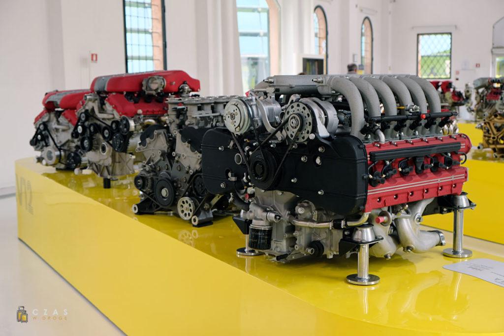 Dużo silników ;)